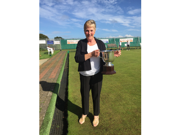 Mrs Fruin with the Division 2 Cup for 2017 on behalf of Filby Bowls Club
