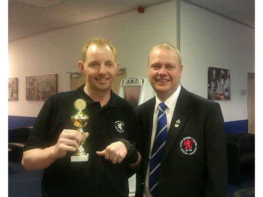 Willie Craig with Airdrie's Gordon Adamson at the EDSF Championships