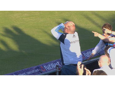 Devestated 1Xl skipper Andrew Sutcliffe after a dropped crowd catch @ IT20.