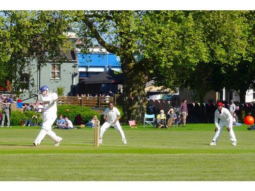 London Fields v Royal Sovereign 2014 © LovingDalston.co.uk