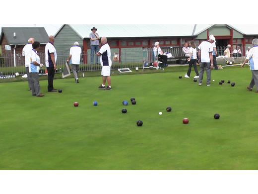 typical game of bowls