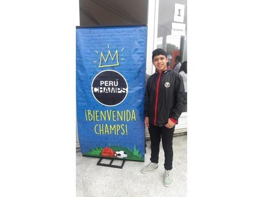 Beisbolista gana Beca de Perú Champs