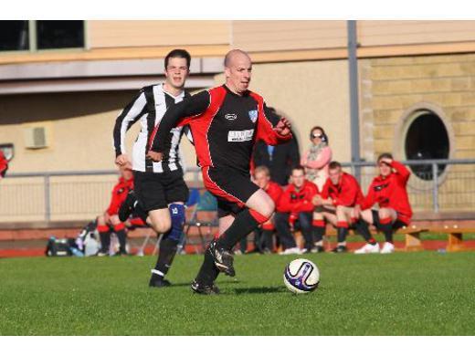 Thorfinn Eunson sets up a St Andrews attack