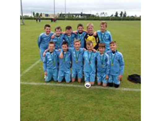 2004s Lenzie Youth Football festival 2016 Plate winners!