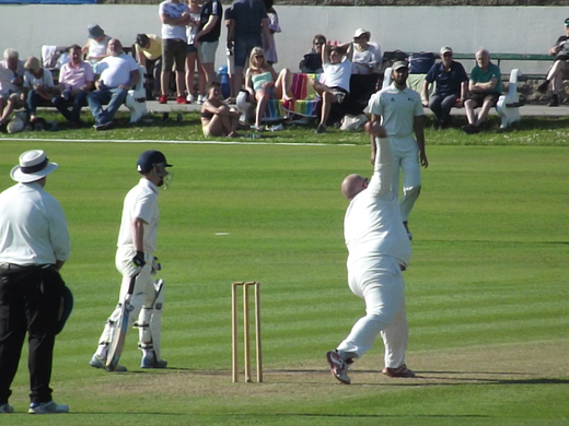 Skipper Sav bulit pressure in the middle overs