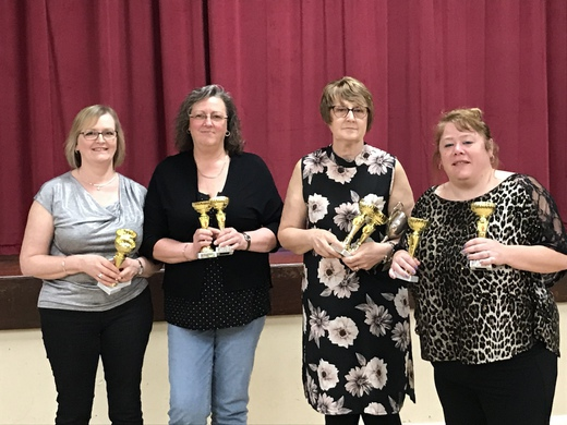 2017/18 LADIES PREMIER DIVISION RUNNERS-UP - TITS AND BEER
