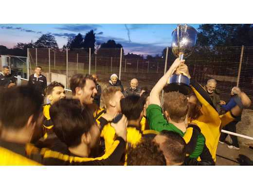 Trophy Lift 2 - Shonn Cup Final 2017-18