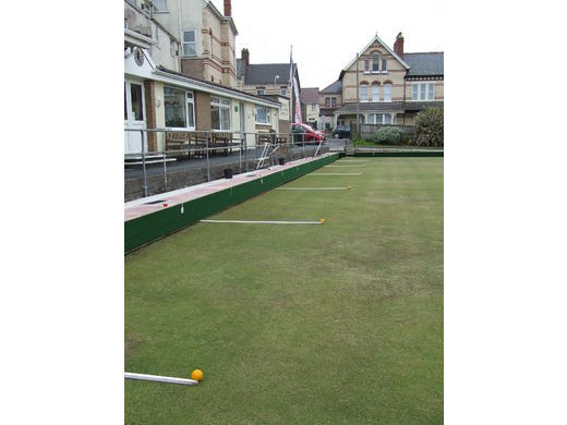Play bowls for fun