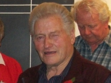 Gordon Tonkinson (Harold Simcock in the background)